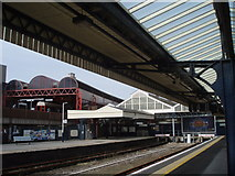 """SU6400 : """"Downstairs"""" platforms at Portsmouth and Southsea Station by Basher Eyre"""