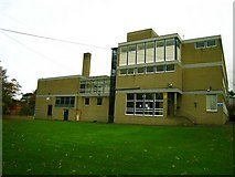 J3271 : Richmond Lodge School [2] by Rossographer