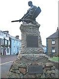 NX6851 : Kirkcudbright War Memorial by Johnny Durnan