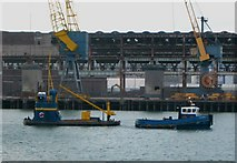 J3576 : Small tug in the Victoria Channel by Rossographer