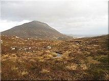 NN6854 : On the Creag an Eàrra  ridge by Richard Webb