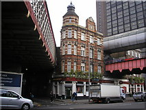TQ3179 : The 'Wellington at Waterloo', Waterloo Road, London by Dr Neil Clifton