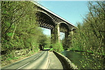 SK1373 : Miller's Dale - railway viaducts from road below by Dave Bevis
