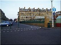 TQ2804 : Kings Esplanade by Peter Holmes