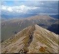 NN1342 : The ridge to Stob Coire Dheirg by Sharon Loxton