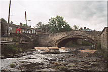 SD8789 : Weir at Gayle Bridge by Richard Kay