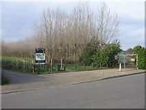 TQ4667 : Entrance to Poverest Recreation Ground from Footbury Hill Road by Ian Capper
