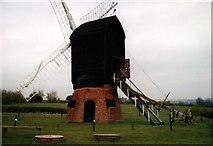 SO9568 : Avoncroft Museum: windmill from Danzey Green, Warks, 19thC post mill by Mike Goodwin