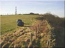 SE1220 : Field on Fixby Ridge, Fixby by Humphrey Bolton