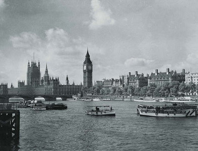 TQ3079 : Houses of Parliament 1952 by Anthony Harrison