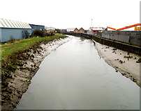 TA1031 : The River Hull from Stoneferry Bridge by Andy Beecroft