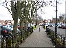 SU6351 : Footpath between Southern Road & New Road by Sandy B
