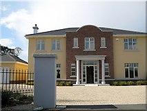 O0339 : No3 Kribensis Manor by Harold Strong