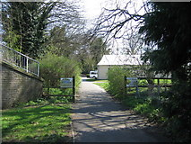 SU6350 : Footpath entrance to Viables Craft Centre by Given Up