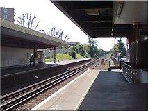 TQ2863 : Wallington Station, platform 1 looking west by Rich Tea