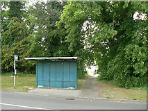 SU6350 : Plain Bus Shelter - Jays Close by Given Up