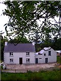 G8765 : Farmhouse near Cashel by louise price