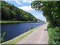 NR8291 : Crinan Canal towpath by E Gammie