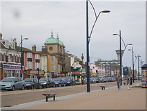 TG5307 : Great Yarmouth seafront by Ray Stanton