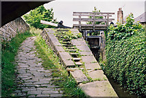 SE1115 : Lock No 10E, Huddersfield Narrow Canal by Dr Neil Clifton
