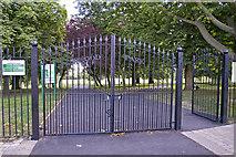 TQ3095 : New entrance gates to Oakwood Park, London N14 by Christine Matthews