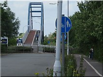 TL4761 : Southern approach to the Milton cycle bridge by Colin Bell