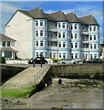 J5182 : Apartments, Ballyholme Bay by Rossographer