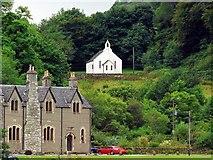 NR7992 : Bellanoch Church and Bellanoch House by Rich Tea