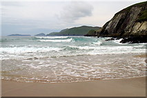 V3198 : On Coumeenoole (Com Dhineol) Beach by Sharon Loxton