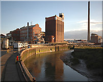 TA1031 : The River Hull at Stoneferry by Paul Harrop