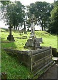 SE1307 : Memorial cross in Holmfirth cemetery, Cemetery Road, Cartworth (Holmfirth) by Humphrey Bolton