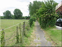 TR3256 : Footpath from Dover Road to the A258 by Nick Smith