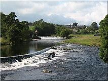 SE0063 : Weirs on the Wharfe by Gordon Hatton