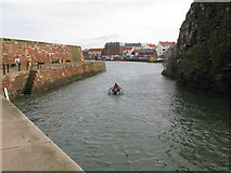 NT6779 : Entrance to Dunbar Harbour by G Laird