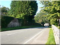 SJ2430 : Approaching Rhydycroesau by Eirian Evans
