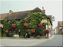 TQ6668 : 'The Leather Bottle' inn at Cobham by Robert Edwards