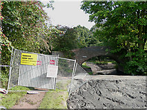 SO8785 : Clay dam and barrier, Middle Bridge, Stourbridge Canal by Roger  Kidd