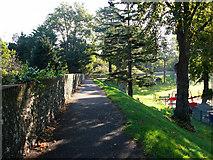 SU8605 : North Walls looking east by Chris Gunns