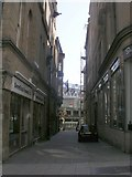 SE1633 : Piece Hall Yard - Kirkgate by Betty Longbottom