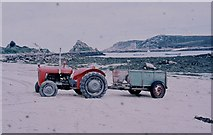 SV8815 : Tractor and Trailer on the Town Beach, Bryher by Sarah Charlesworth